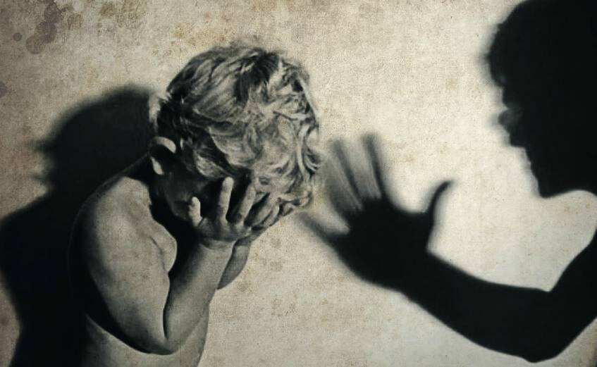 Физическое наказание детей: можно ли бить детей по рукам, ремнем по попе, по лицу и губам