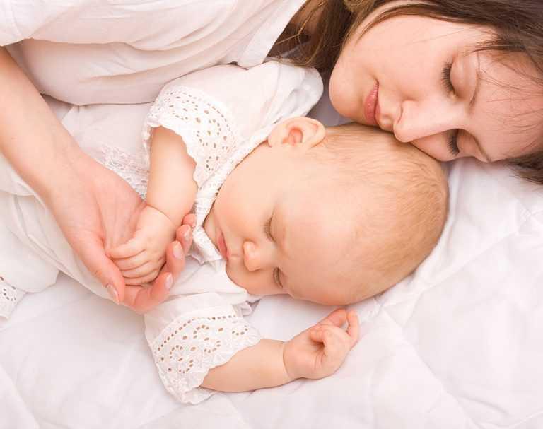 Как отучить ребенка от рук: от укачиваний, засыпаний на руках, в 1, 2, 3, 4 месяца и до года.