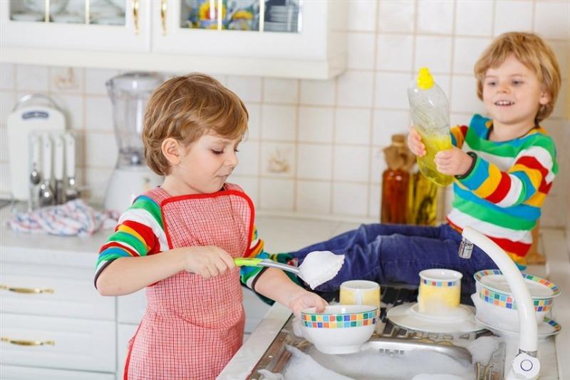 Как привлечь ребенка к уборке, дети и работа по дому