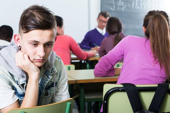 Дети-изгои в школе: почему ребенок становится изгоем в классе и что делать