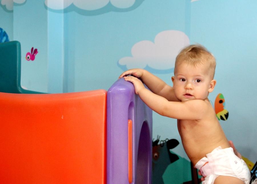 Игры с ребенком в 9-12 месяцев
