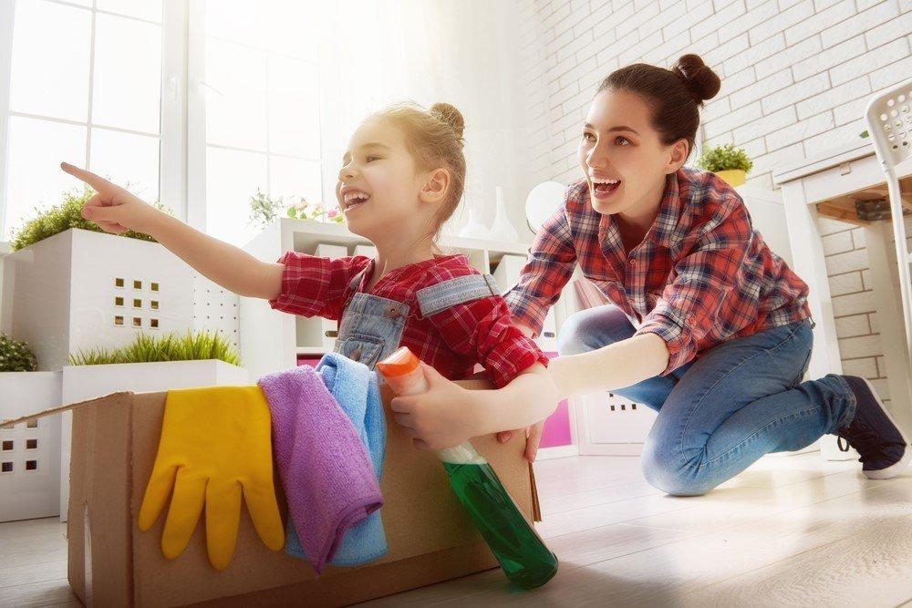 Уборка с детьми: как привлечь ребенка к домашней уборке и мытью посуды