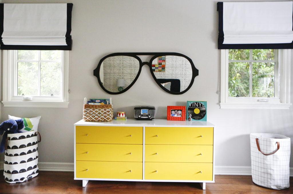 А нужно ли зеркало в детской комнате?
