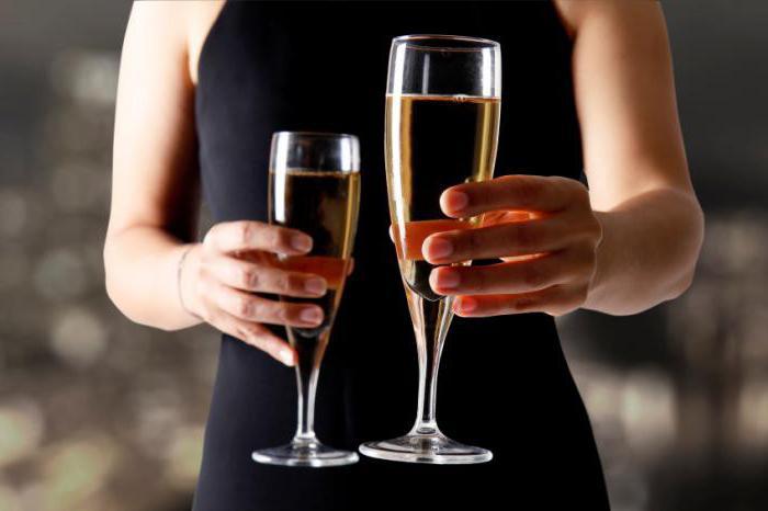 Шампанское при беременности: минздрав предупреждает!