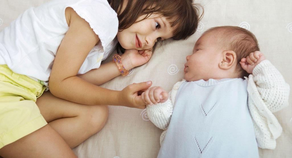 Маленькая разница в возрасте детей: советы родителям: новости, дети, воспитание, психология