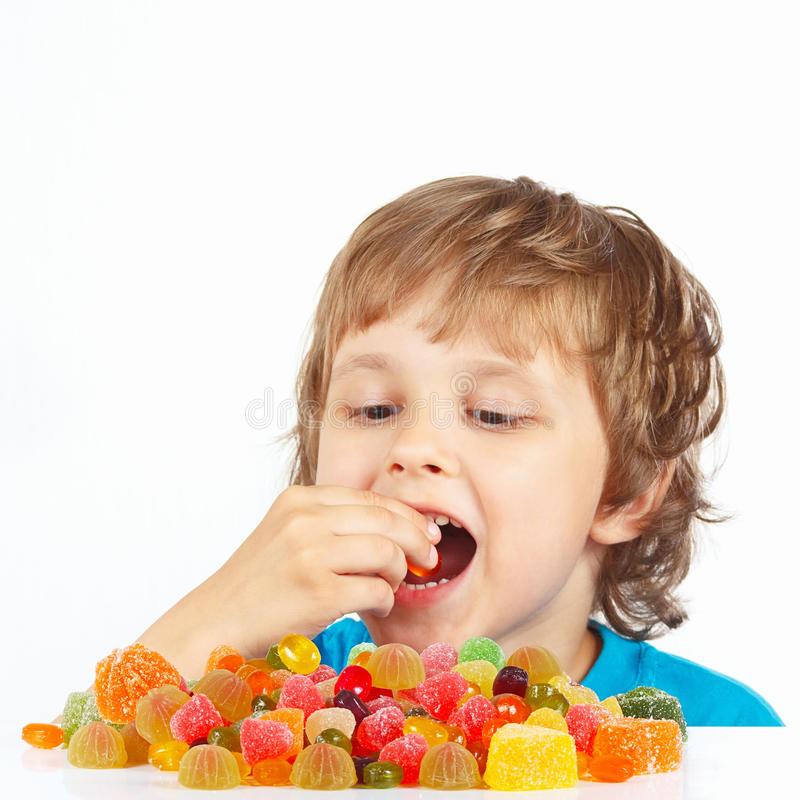 Ели много сладкого в детстве? потенциально испортили себе жизнь