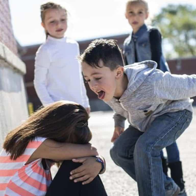«от него все стреляются»: как избавить класс от ученика с деструктивным поведением