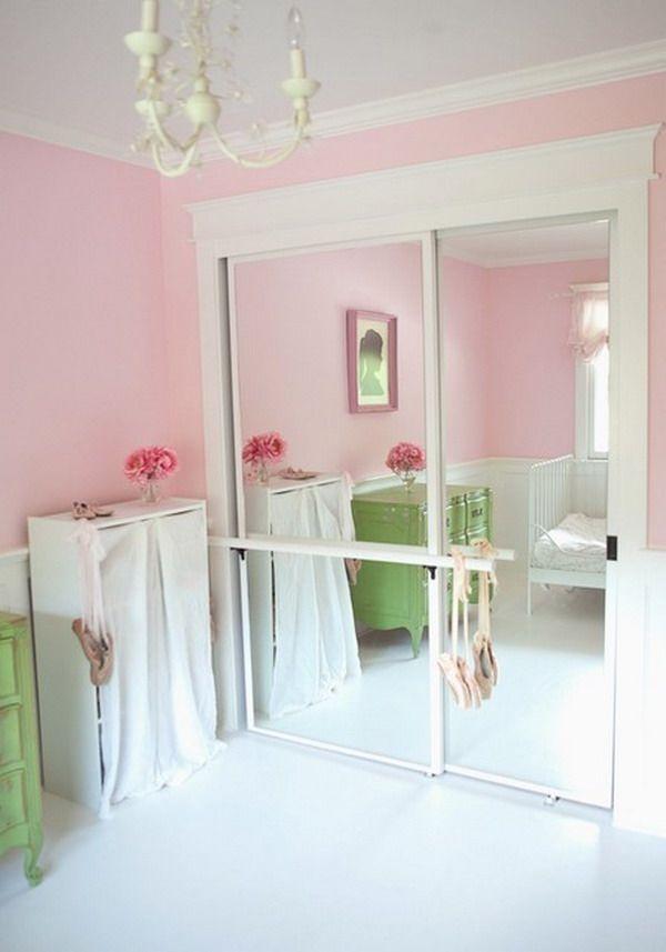 Почему нельзя ставить шкаф с зеркалом в спальню, что говорят об этом приметы и что рекомендует фэншуй
