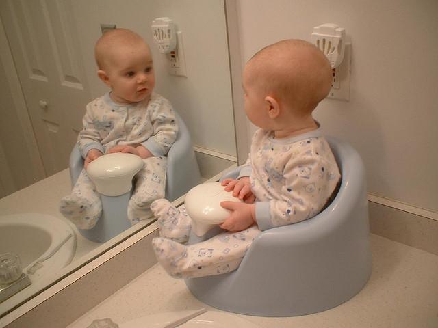 Нарушения стула у новорожденных