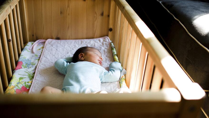 Как уложить ребенка спать: полезные советы и рекомендации | johnson's®