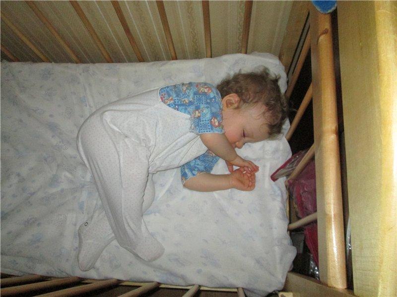 Почему ребенок не спит днем? рассказывает консультант