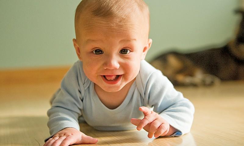 Видеоурок: Как научить ребенка ползать