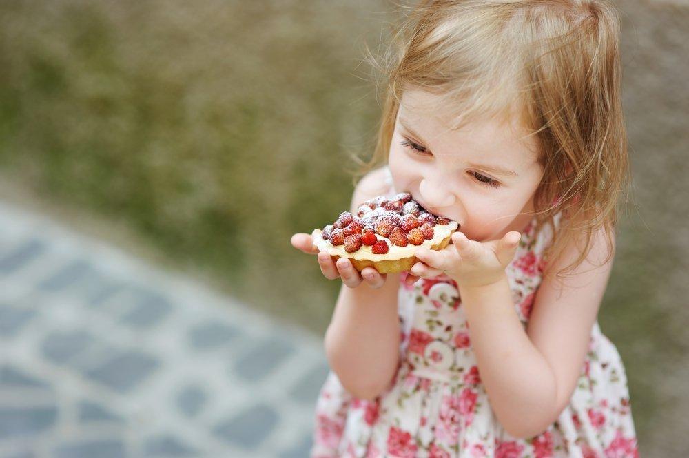 Можно ли детям есть сладкое