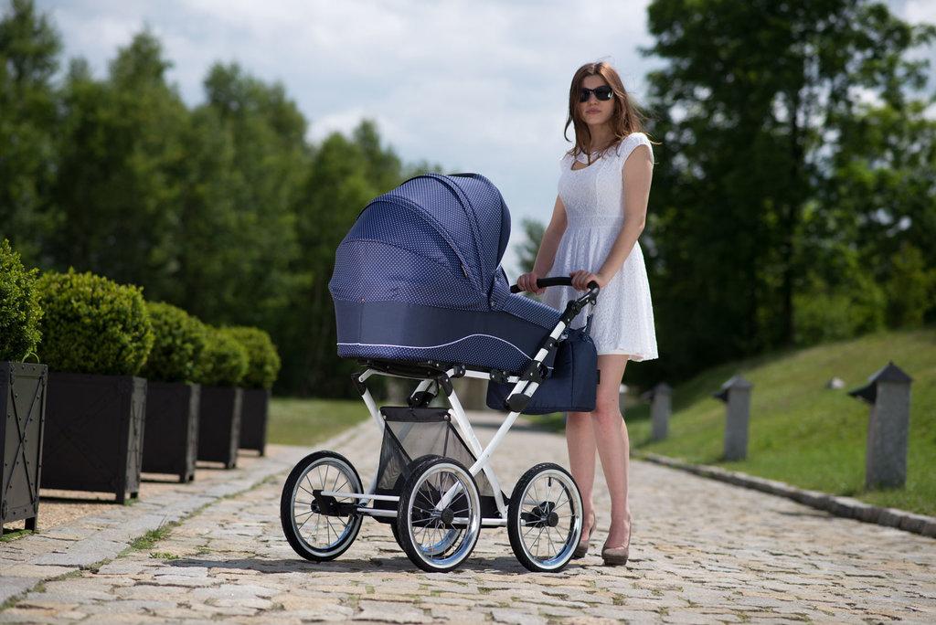 Как выбрать коляску для новорожденного: 15 важных критериев и обзор 5 лучших моделей