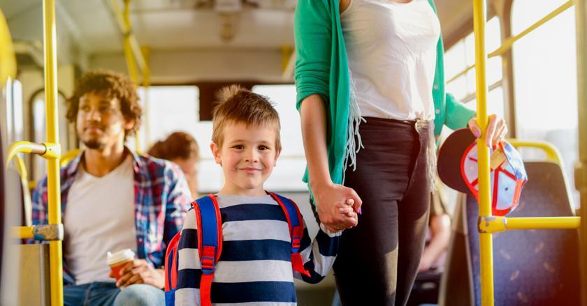 Тест: кому вы уступите место в общественном транспорте?