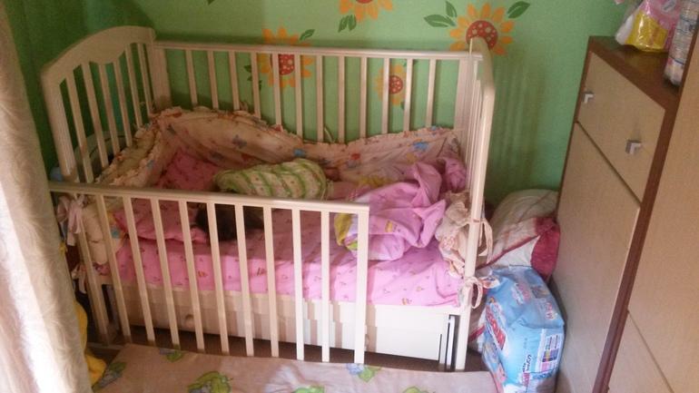 Когда и как приучить ребенка засыпать самостоятельно в своей кроватке в разном возрасте: основные правила, советы. чего нельзя делать, приучая малыша спать отдельно?