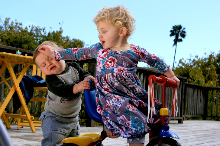 Разборки в песочнице, или что делать, если ребенок дерется?