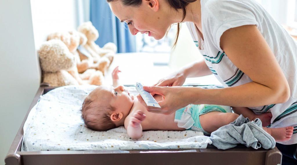 Уход за месячным ребенком, ежедневные секреты, советы врачей