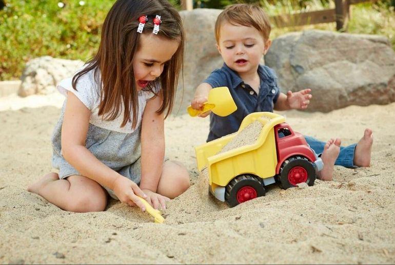 Как вы реагируете, если вашего малыша обижают на детской площадке?
