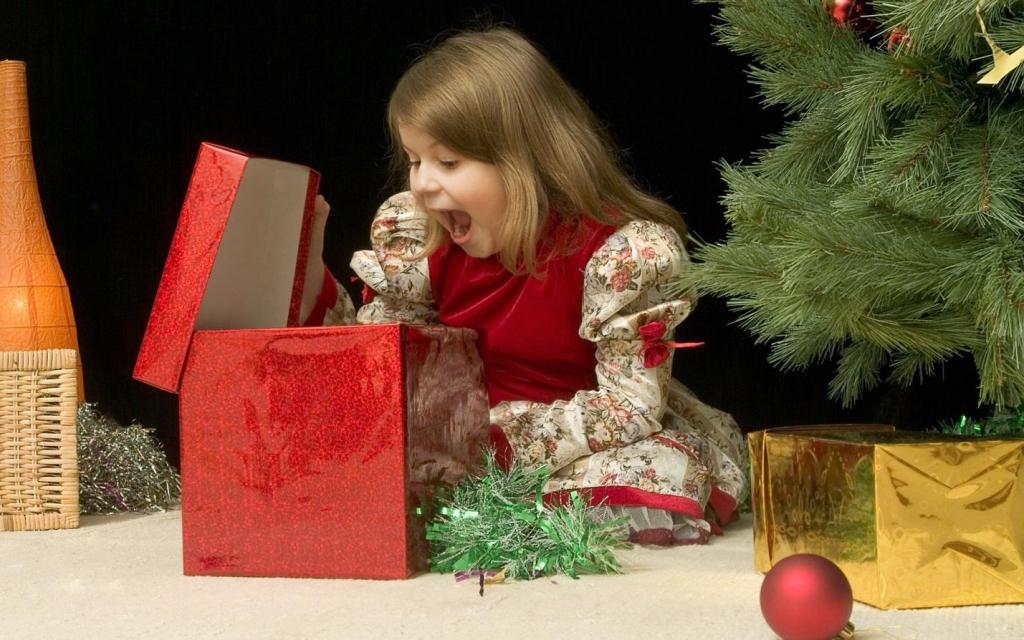 138+ идей что подарить детям на новый год (в примерах) и ещё варианты