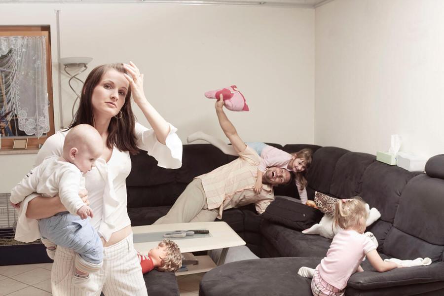 Можно ли оставлять ребенка одного дома и со скольки лет: правила безопасности для ребенка
