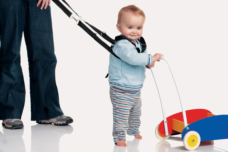 Как научить ребенка ходить? советы для родителей