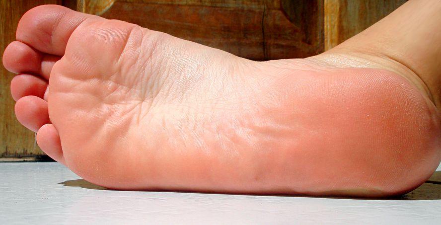 Шелушение кожи: причины, диагностика, лечение, шелушение кожи у детей, беременных, виды, чем опасно, осложнение
