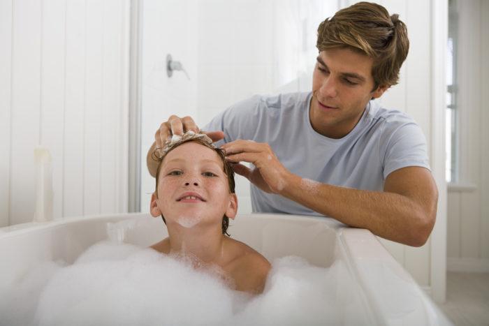 Ребенок боится купаться в ванной - что делать