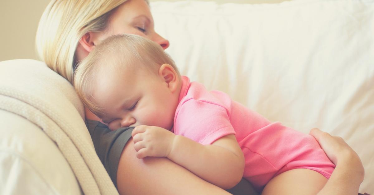 Как отучить ребенка от рук: 4 повода для отучения, отучение от рождения до 1 года