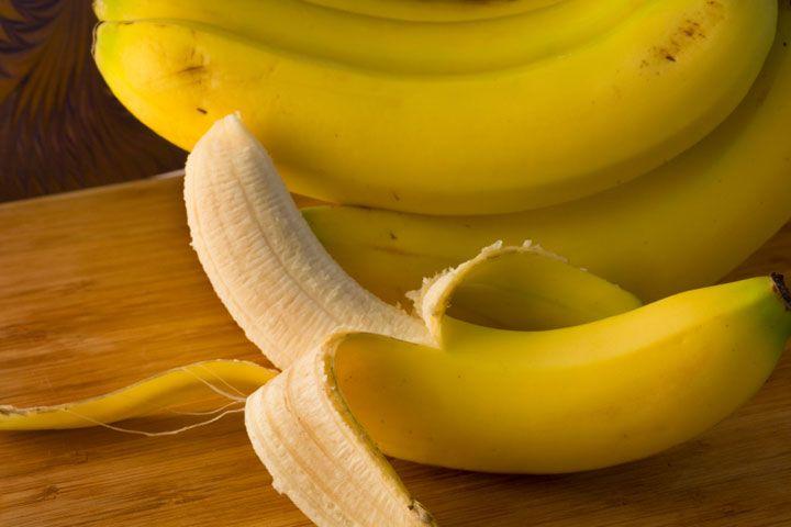Со скольки месяцев ребенку можно давать банан и в каком количестве