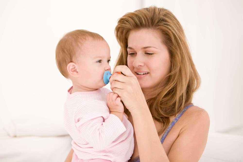 6 советов, которые помогут отучить малыша от рук