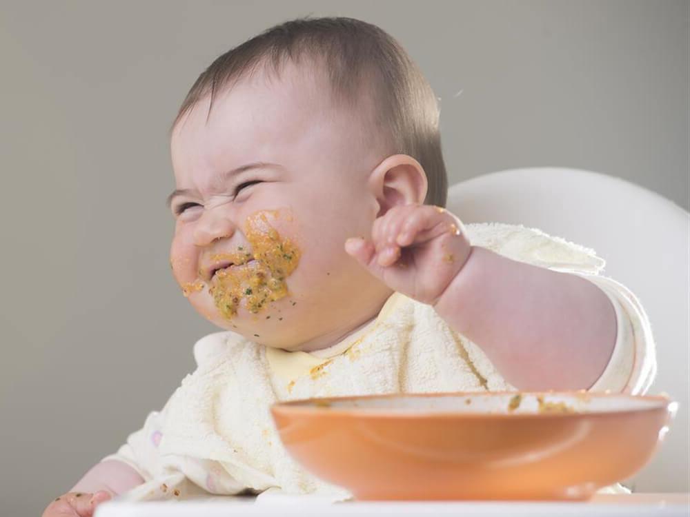 Ребенок не ест кашу что делать. что делать если ребенок отказывается от прикорма (не ест кашу), и не хочет кушать с ложки. возможные причины, почему ребенок не ест кашу