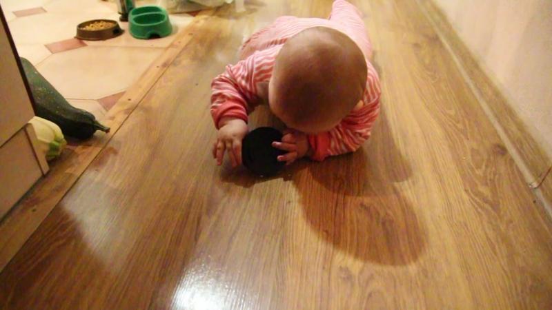 """Как научить ребенка ползать   саморазвитие   полезный сайт """"научиться"""""""