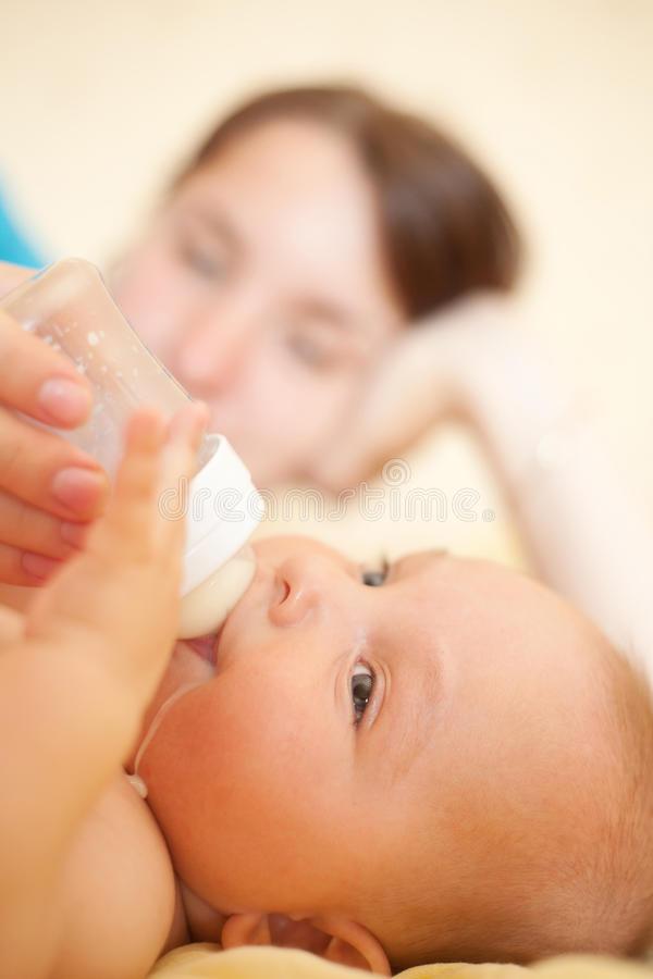 Почему богатые матери не кормили детей сами, и куда кормилицы девали своих малышей