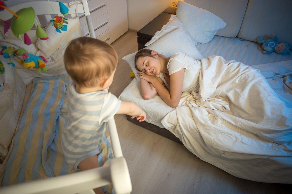 Как научить ребенка спать в своей кроватке в 1-2 года