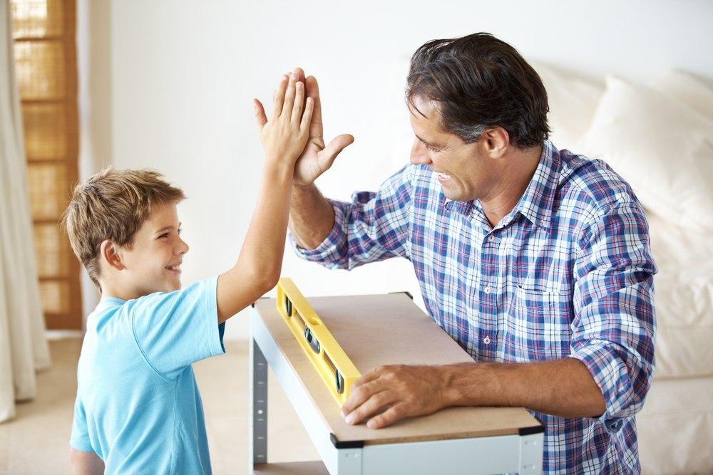 Как правильно поощрять и наказывать маленьких детей в семье