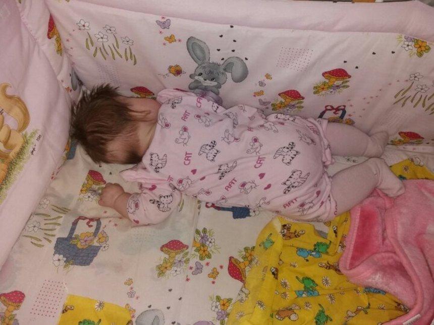 Что делать, если ребенок в три месяца не спит днем