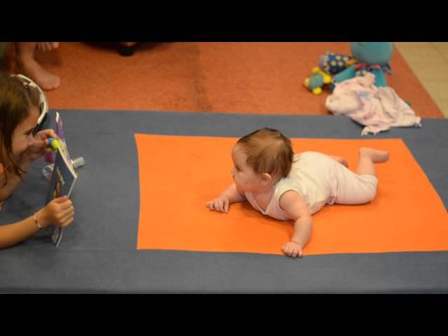 ????ответ эксперта: во сколько месяцев ребенок начинает ползать? ???? результативные способы научить ребёнка ползать