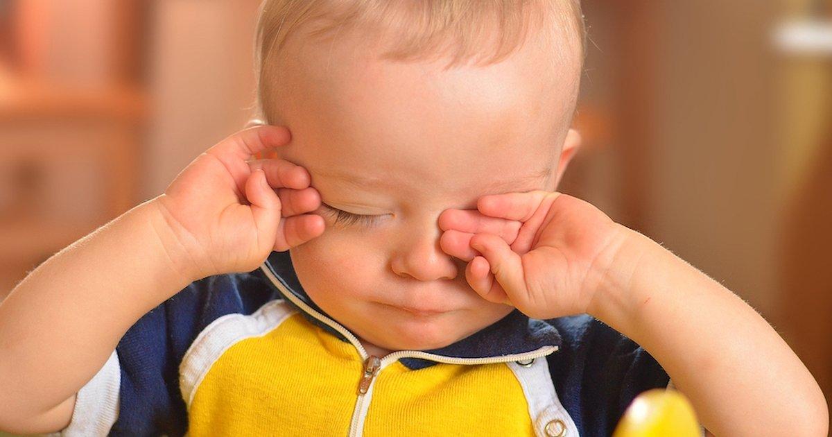Что делать, если ребенок дергается во сне и днем? как перестать дергаться?